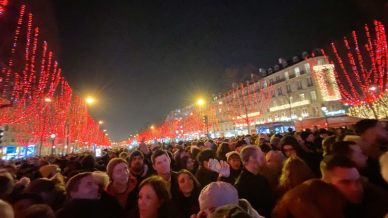 フランス・パリの年越しカウントダウンの楽しもう!